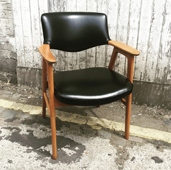 Erik Kirkegaard leather chair.jpg