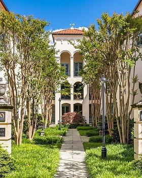 Tuscan Villa Condo courtyard with crepe myrtles