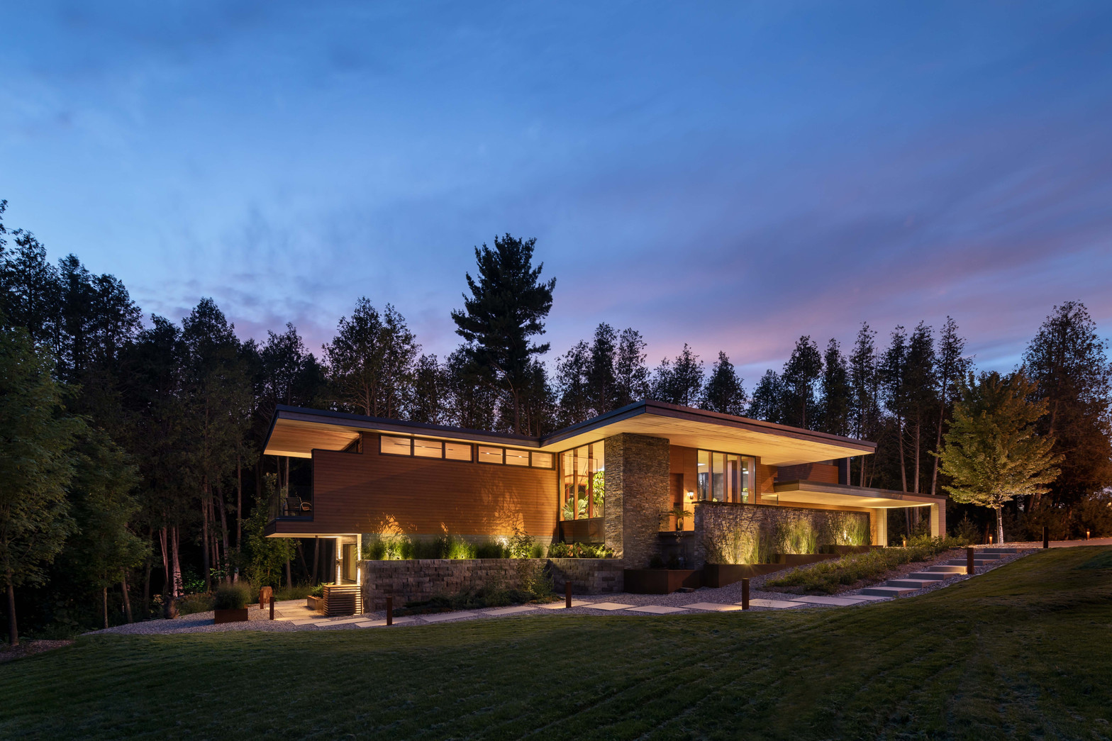 Petaluma Residence - Low Res-21.jpg