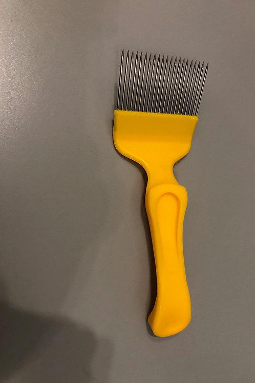Honey Frame Scratching Comb