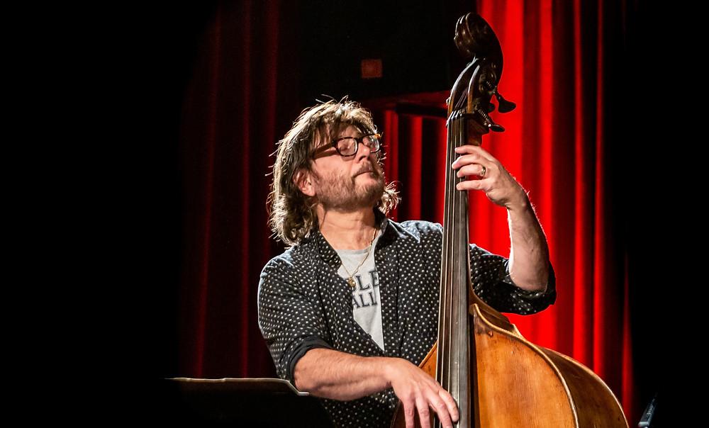 Michael Tortoni playing bass at the Jazzlab