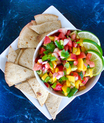 The Healthy Cinco De Mayo Recipe You NEED at Your Next Party | Strawberry Mango Salsa & Guilt-fr
