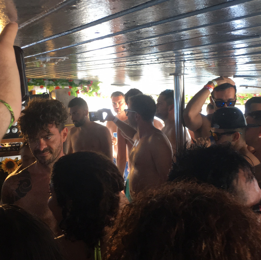 Champagne Shower - Boat Party