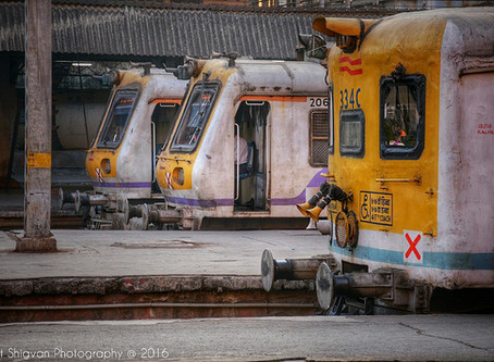 How to travel by local trains in Mumbai?
