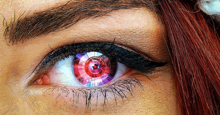 Врачи готовы имплантировать первую в мире систему бионического зрения