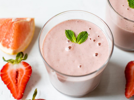 Pink Grapefruit and Cashew Smoothie | Breakfast