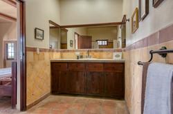 La Flor Bathroom