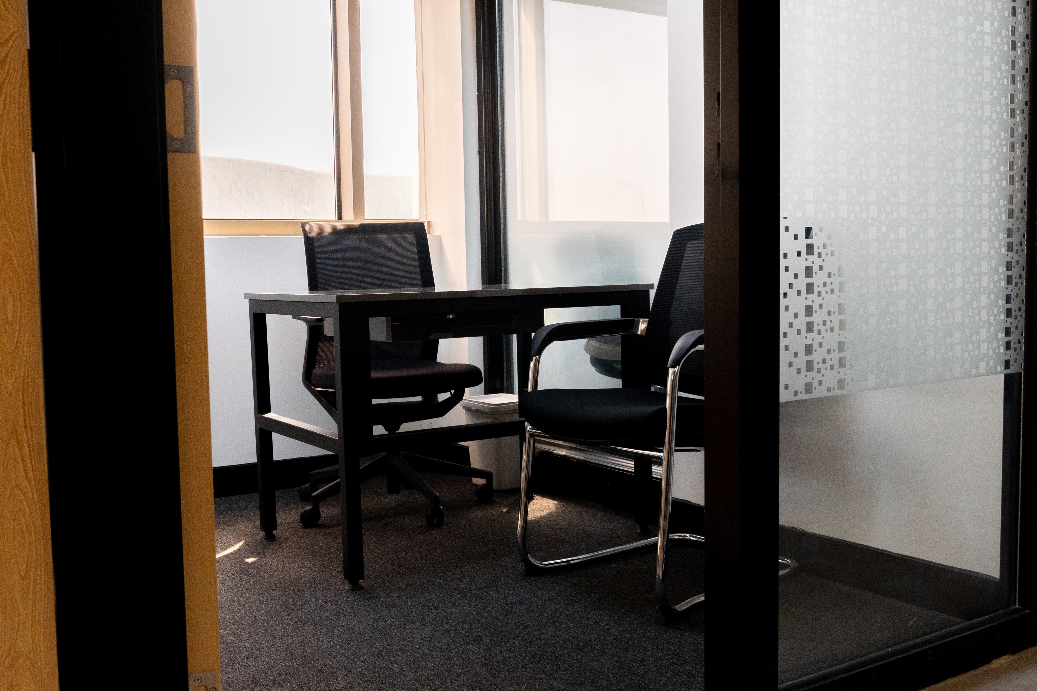 A private office for 2 persons /3 months