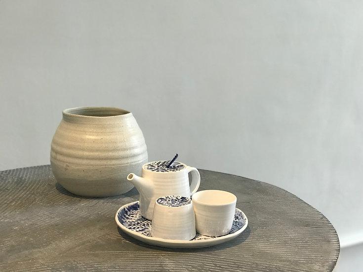 結.情 Knitting Knots of Love- Tea Cup Set