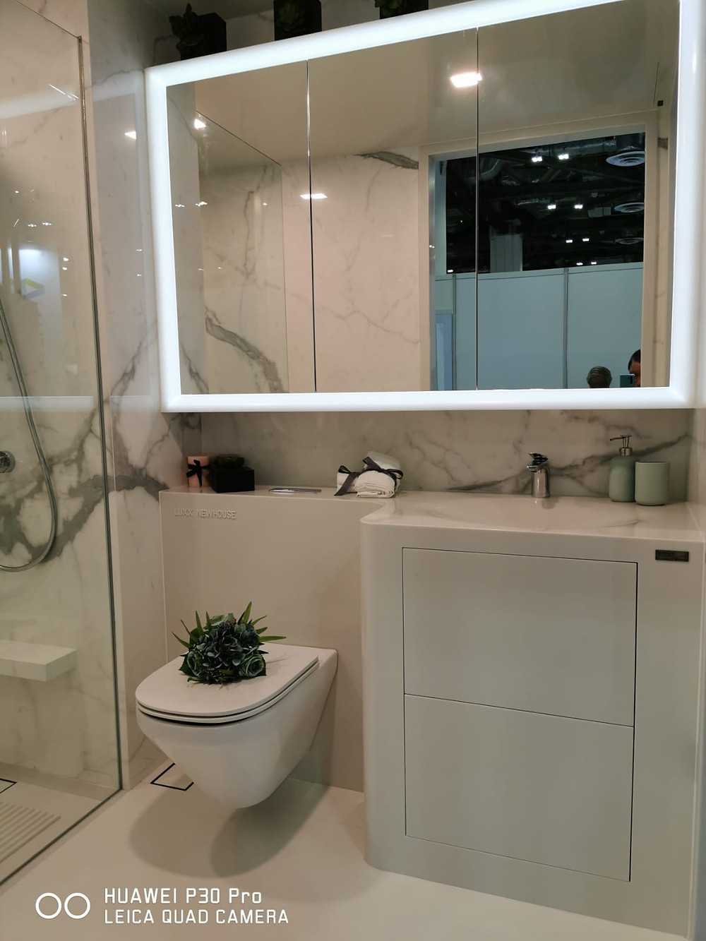 Pbath Vanity Top by Luxx Newhouse Group @ IBEW2019