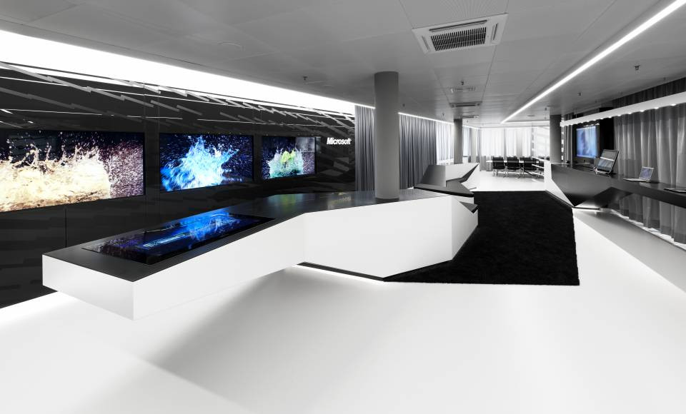 Luxx Newhouse Group - LG HIMACS Microsoft Interactive showroom