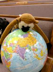Linkee with globe
