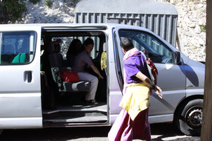 Rinpoche arriving!
