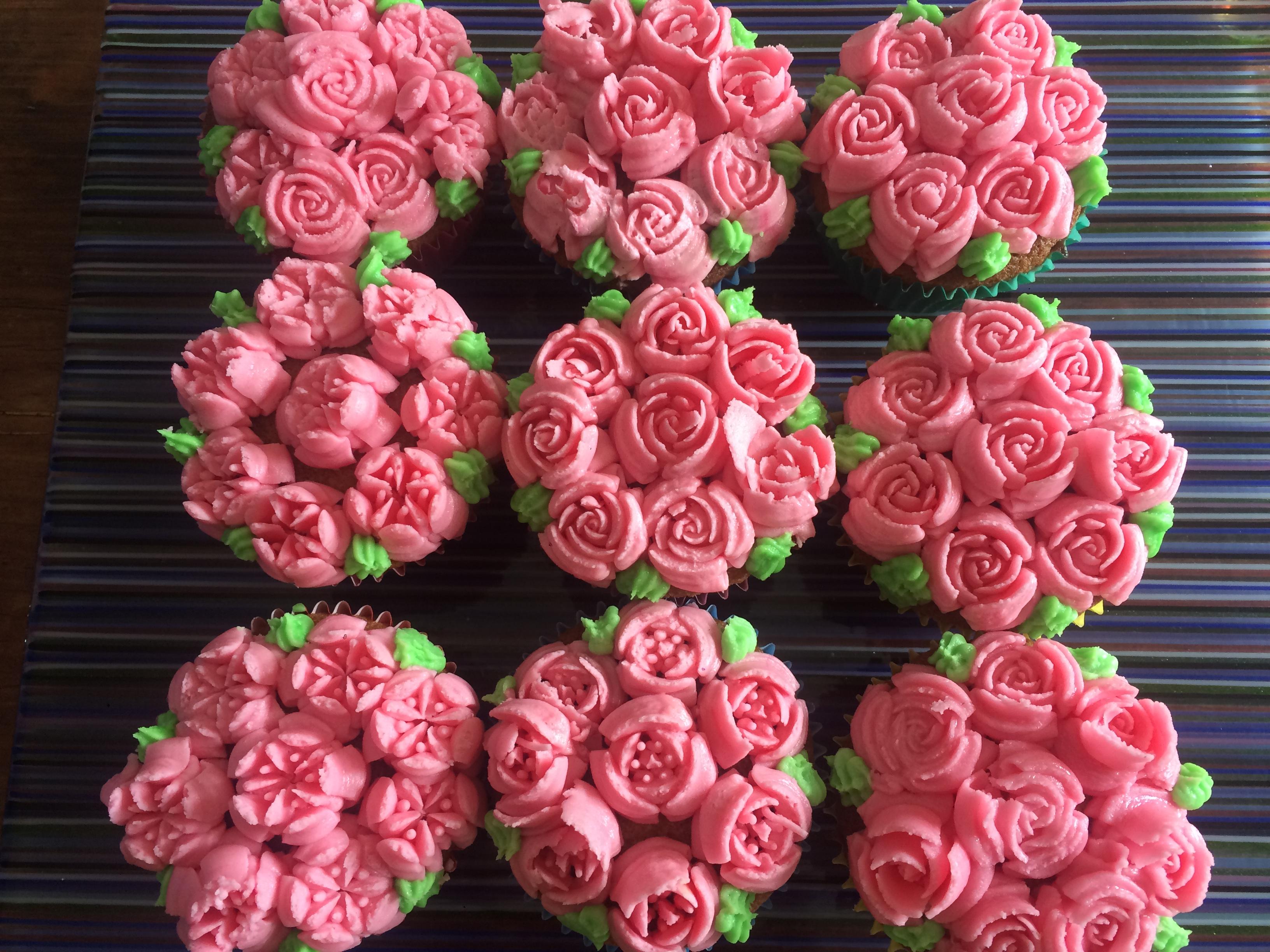 Cupcakes - Copy - Copy.JPG