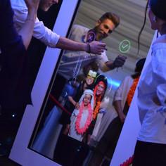 Mirror Photo Booth Image No4