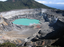 The crater of the volcano Poás in Costa Rica. (Image by Peter Andersen via Wikipedia)