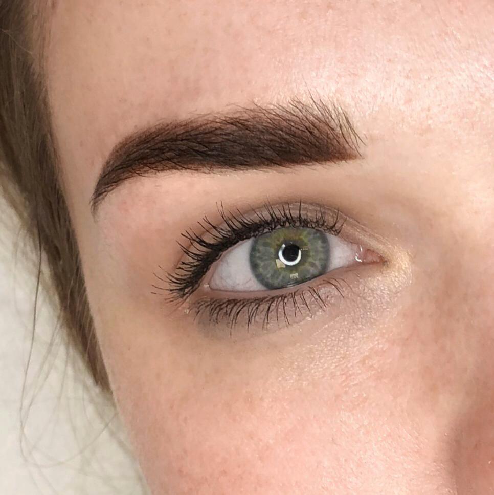 Makijaż permanentny brwi wykonanie Alina