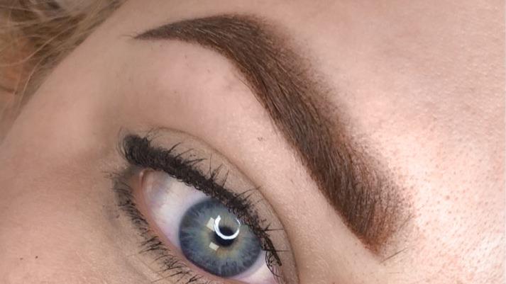 Makijaż permanentny brwi - Alina