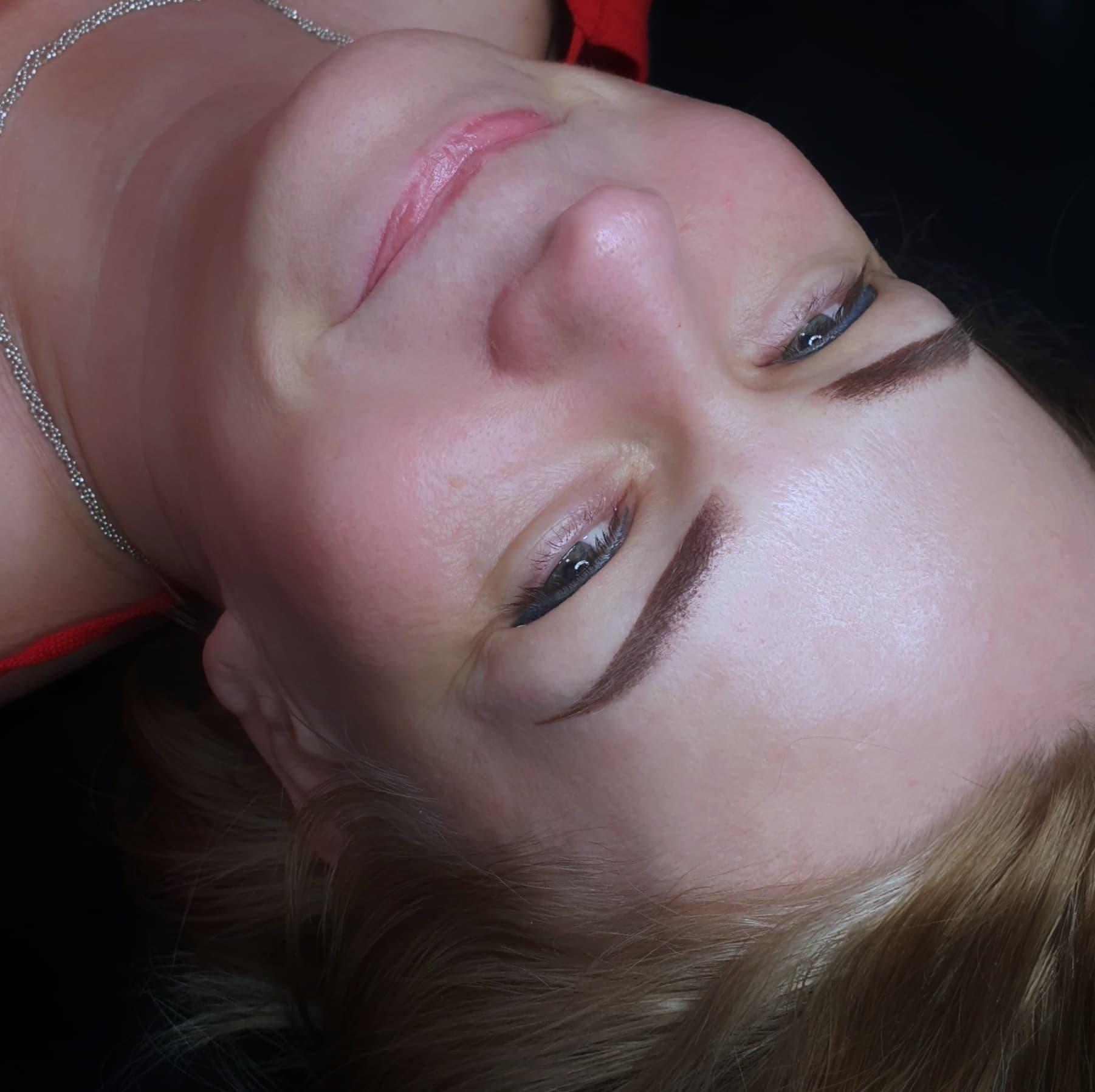 Makijaż permanentny brwi wykoanie Alina