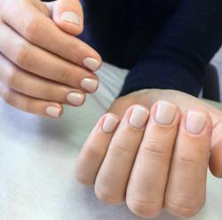 Manicure hybrydowy - Adrianna