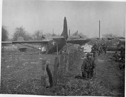 202655 Varsity,-gliders-on-LZ