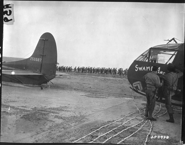 253928 Varsity, troops loading