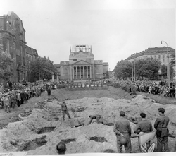 264834 Duisburg Burial