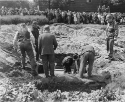 264836 Duisburg Burial