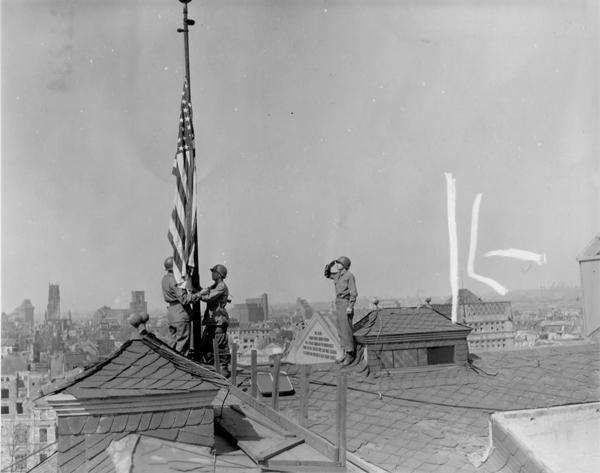 204680 194th Duisberg, Flag Raising