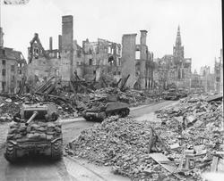 203097 Munster,-Sherman-Tanks