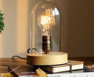 Vintage egetræ bordlampe