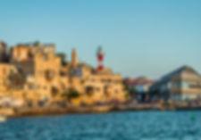 Израиль, Старый Яффо, вид на старый порт Яффо и маяк со стороны Средиземного моря, путешествие по Израилю, экскурсии с гидом