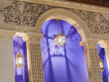 Decoration above niche