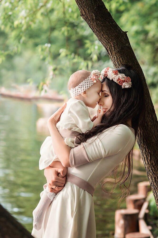 Съемка для мамы и дочки Москва. Веночки и повязки помогают создать гармоничный образ