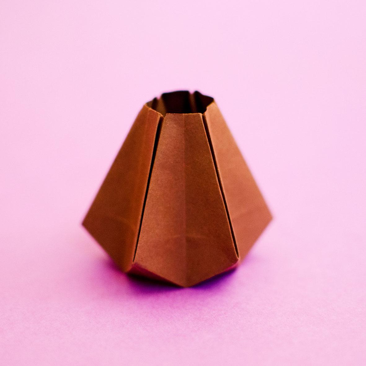 Jarrón de origami