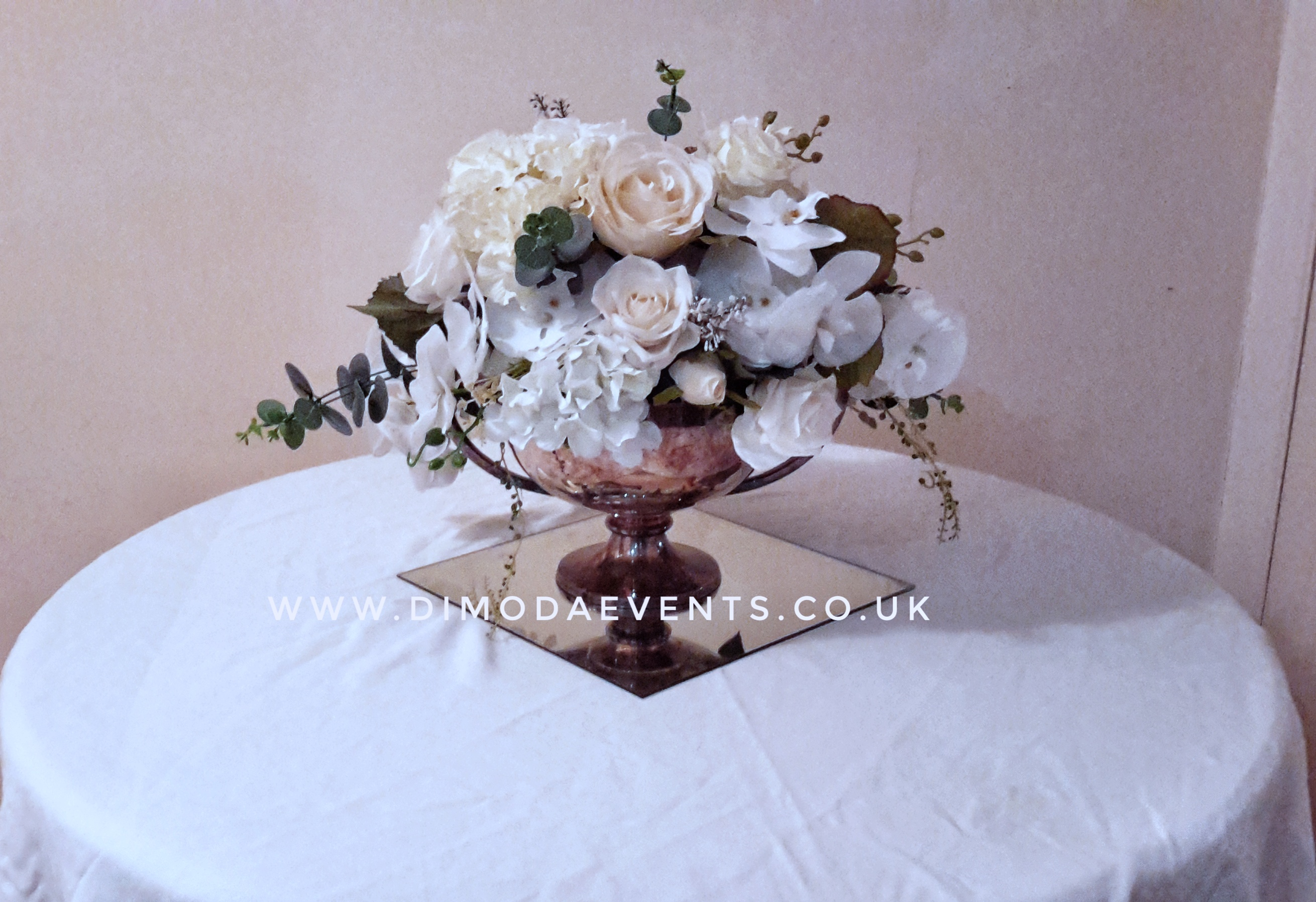 Trophy Flower Bouquet - White