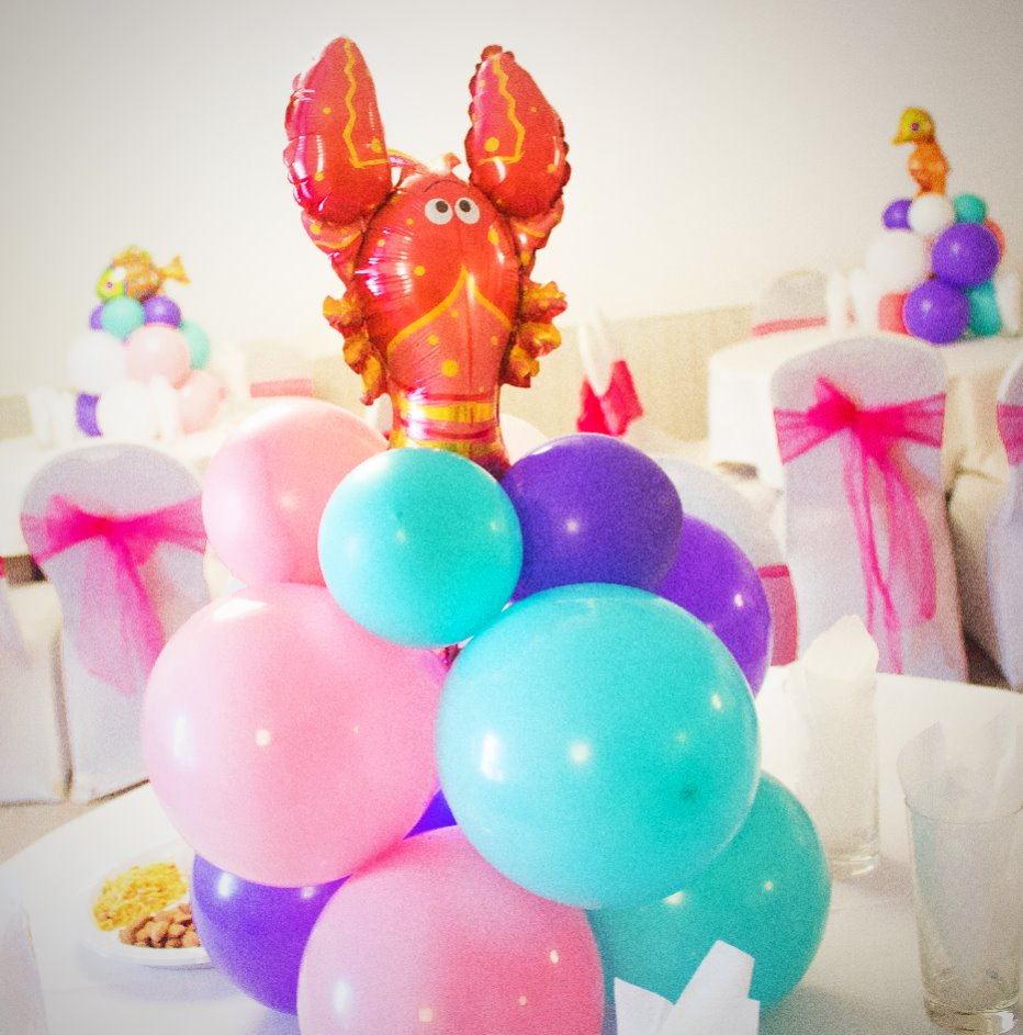 Foil balloon centrepiece