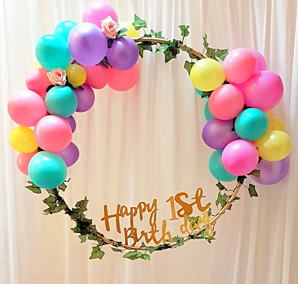 Hula hoop balloon wreath