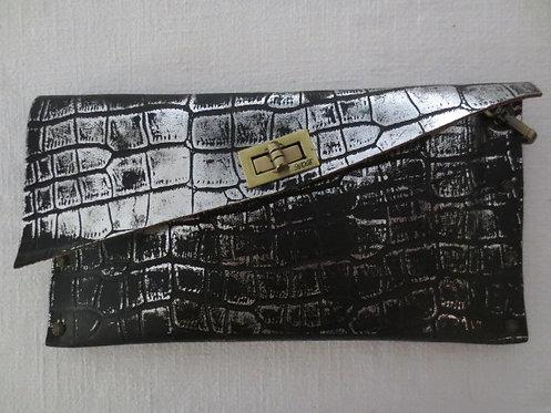 CLUTCH 1 - Silver Alligator Stamp Black (c)