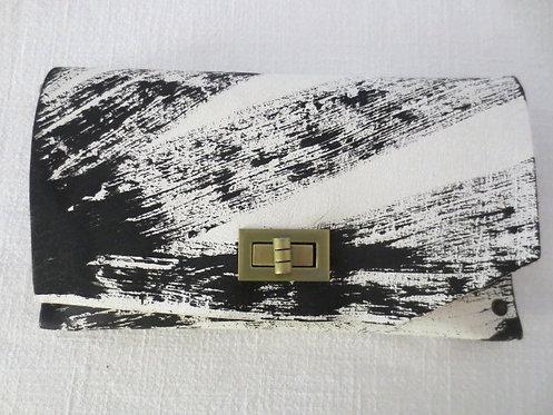 CLUTCH 8 - White Handpaint