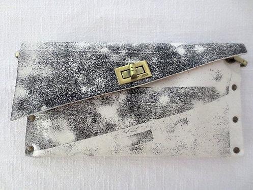 CLUTCH 1 -  White Stamp Black