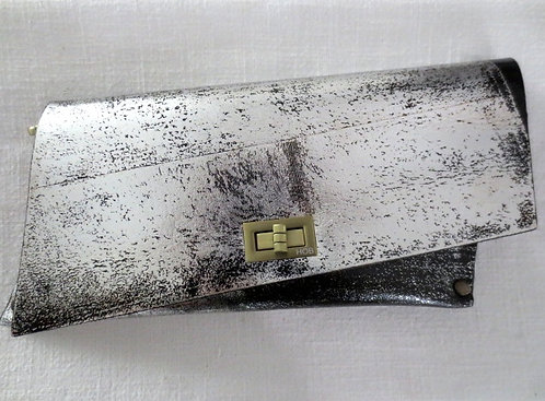 CLUTCH 4 - Silver Stamp Black