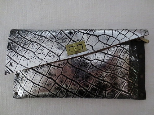 CLUTCH 1 - Silver Alligator Stamp Black (a)