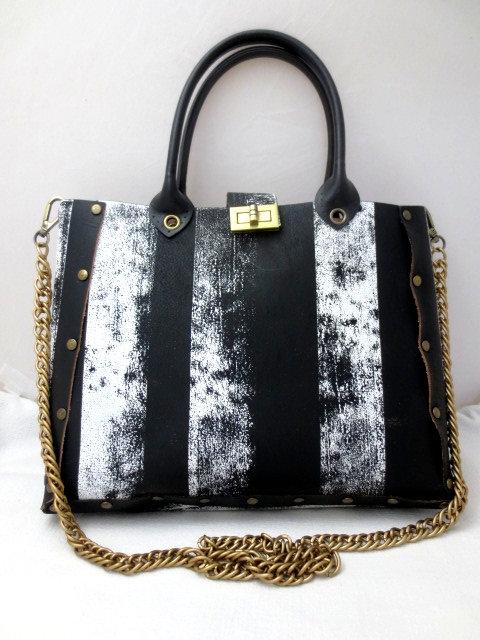 CHAIN BAG 1 - Black & White Vertical Stripes