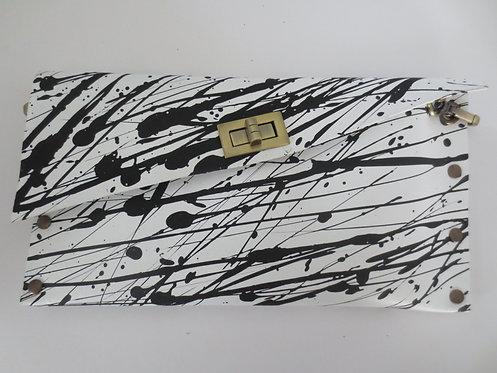 CLUTCH 1 - White Black Splash