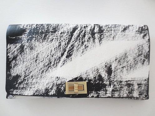 CLUTCH 2 - White Handpaint 3