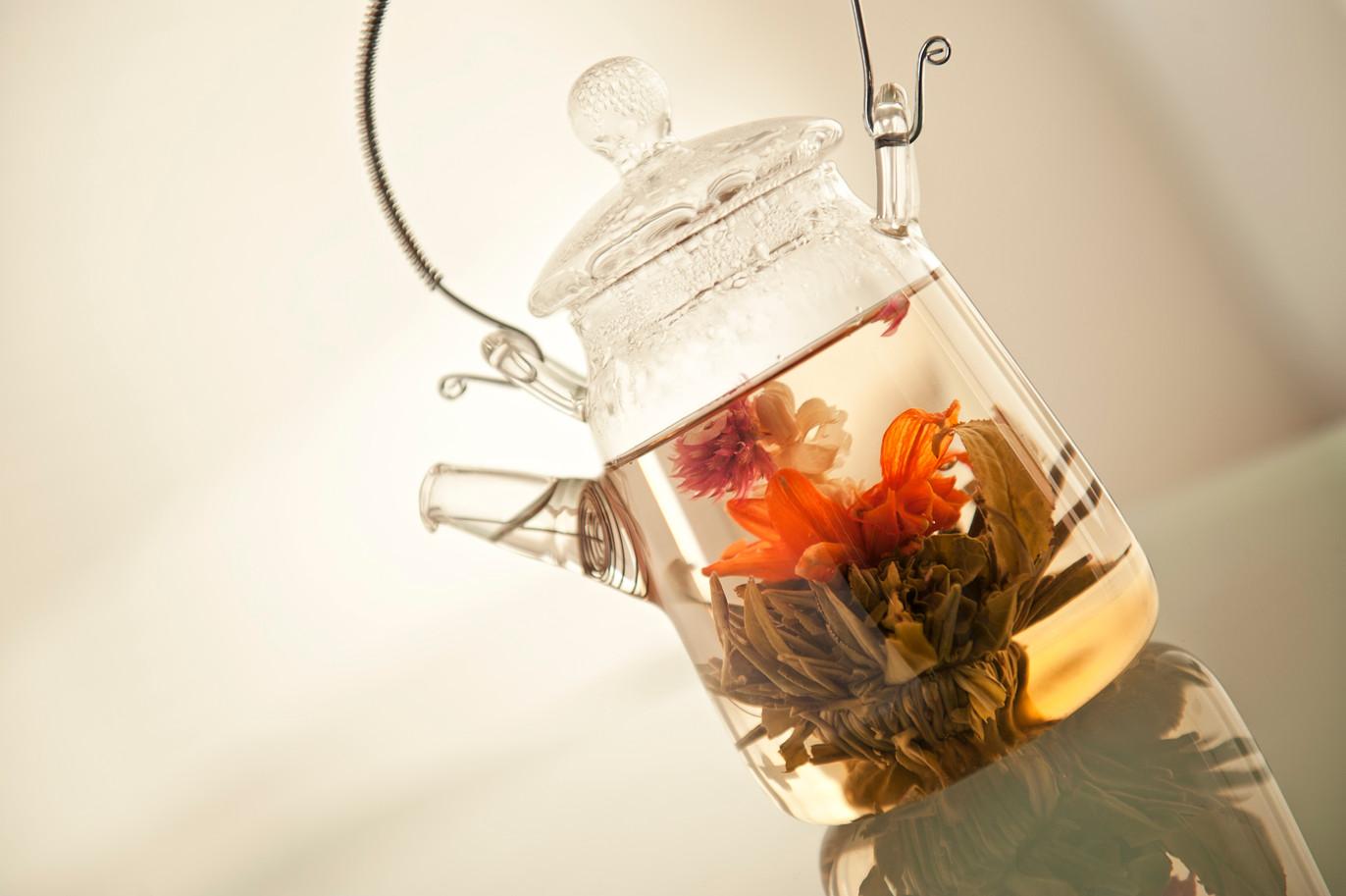 P_Blooming tea in pot.jpg