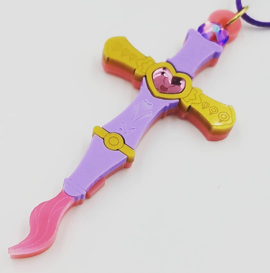 Zakuro Cross Whip Necklace