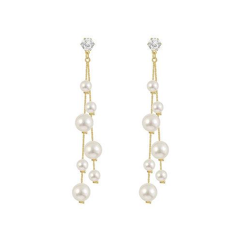 Jada Asymetrical Pearl Drop Earrings