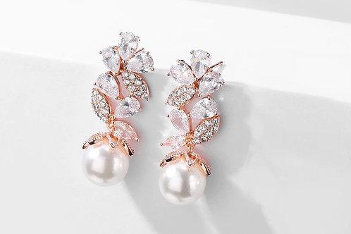 Harissa Pearl drop earrings